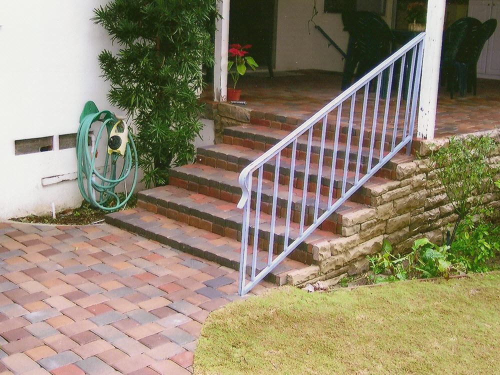 Ed's Landscaping Pavingstone Staircase