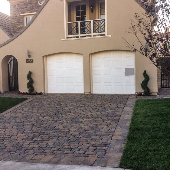 Ed's Landscaping Pavingstone Driveway in Glendale CA